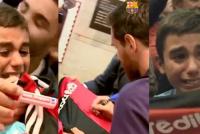 ¡Emoción pura!: Messi le firmó la camiseta de Newell's y no pudo contener el llanto