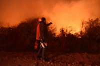 Córdoba: se reavivó el fuego en Capilla del Monte y hay varias zonas afectadas
