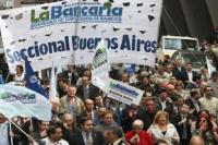 Bancarios activaron la cláusula gatillo y ampliaron el aumento salarial previsto