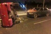 Volcaron con una camioneta y chocaron contra otro auto: cinco internados