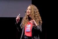 """""""¿Qué tienen los pobres en la cabeza?"""", la charla TED que se hizo viral"""