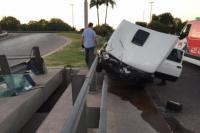 Perdió el control de su Fiat 147 y chocó contra el guardarrail