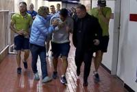 Apedrearon el micro de Boca: hay varios jugadores heridos