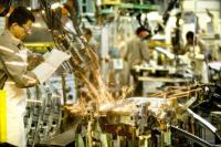 Oficial: la economía cayó 4% en octubre y suma siete meses de recesión