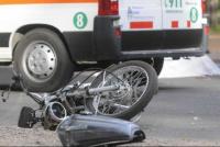 Murió un motociclista tras chocar contra un poste