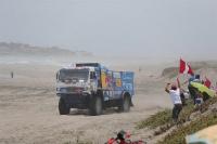 Un camión aplastó a un espectador en el Dakar
