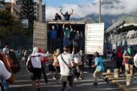 Venezuela vive momentos de tensión, dividida entre el apoyo a Maduro y Guaidó