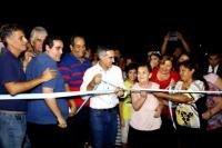 Aranda inauguró obras de pavimento y luminaria en Concepción
