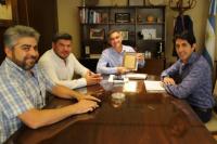 El intendente Aranda recibió reconocimiento del Club Mocoroa