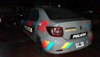 Un patrullero dañado y dos personas detenidas fue el saldo de una gresca en Chimbas
