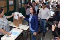 Romina Rosas votó y agradeció a los cauceteros y al frente Todos
