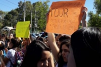 Alumnos de la Universidad Católica de Cuyo protestaron por el aumento de las cuotas