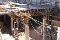 Un albañil de 73 murió tras caer en un precipicio de una obra de construcción