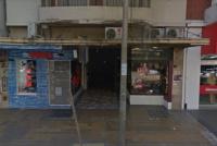 Caminaba por una galería céntrica y fue atacada sexualmente por un hombre