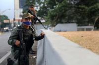 """Juan Guaidó llamó a un alzamiento y el régimen de Nicolás Maduro habla de """"golpe de Estado"""""""