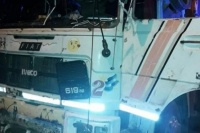 Un camionero sanjuanino atropelló y mató a una mujer: fue brutalmente golpeado