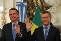 """Bolsonaro y otra crítica a Alberto Fernández: """"Por el populismo, la gente saca su dinero de los bancos"""""""