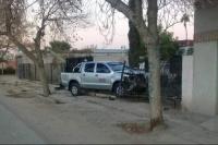 Caucete: impactó contra una casa, rompió un gabinete y hubo escape de gas