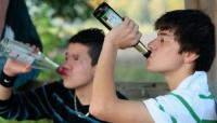 Multaron a padres de 26 alumnos que se emborracharon en la presentación de los buzos