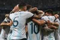 Argentina superó a Qatar y se metió en cuartos de final