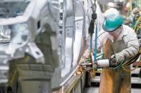 La industria y la construcción cayeron 6,9% y 3,4% en mayo