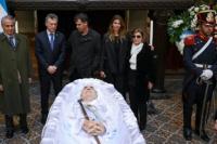Con la presencia de Mauricio Macri ya velan los restos de De la Rúa en el Congreso