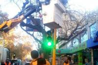 Reemplazaron nuevos semáforos con sistema led en el microcentro