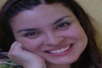 Fue embestida por un automovilista que se dio a la fuga: está en grave estado