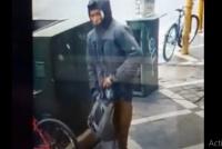 En menos de un minuto, se robó una bicicleta de la puerta de una farmacia