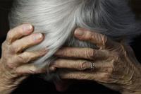 Violento asalto: delincuente fracturó a una anciana para robarle el celular