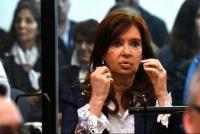 Cristina Fernández vuelve de Cuba para las sesiones extraordinarias del Senado