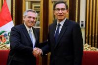 Alberto Fernández cerró su gira regional con una reunión con el presidente de Perú