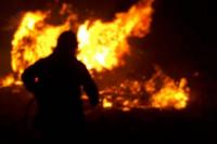 Un incendio destrozó el almacén de una familia albardonera