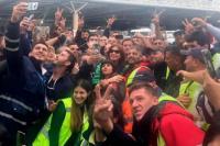 Antes de viajar a Cuba, Cristina Fernández fue ovacionada en el Aeropuerto de Ezeiza