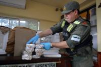 Hallaron 25 kilos de marihuana en una encomienda con destino a San Juan