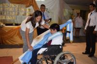 Tiene parálisis cerebral y es el nuevo abanderado de una escuela de Astica