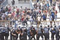 Mendoza: piedrazos y gas pimienta entre manifestantes y la Policía