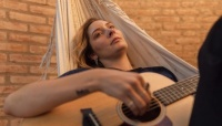 Echega una cantante sanjuanina que encuentra la calma en la música