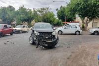 Trinidad: triple choque en una esquina muy transitada