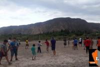 Niños de la escuelita de fútbol de Pedernal sueñan con su cancha