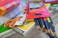 El Gobierno negocia una canasta de útiles escolares a precios populares