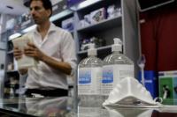 Alcohol en gel y barbijos: ¿Se consiguen en San Juan, y a qué precio?