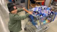 Un niño usó sus ahorros para comprarle alimento a los ancianos en cuarentena