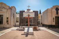 El Cementerio de la Capital, con nuevos horarios pero cerrado a visitas