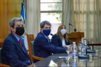 Uñac se reunió con su gabinete para analizar las acciones que llevan adelante por el coronavirus