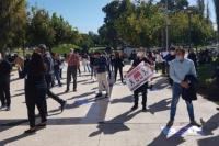 Comerciantes protestaron y la policía les labró acta de infracción por incumplir con la cuarentena