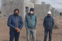 La construcción del barrio Bicentenario de Angaco continúa a paso firme