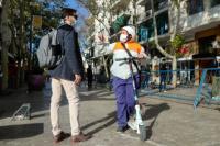 En monopatines eléctricos monitores urbanos controlan la peatonal