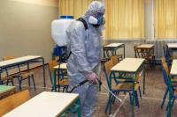 Confirmaron seis casos de coronavirus en dos escuelas de la provincia y suspendieron las clases