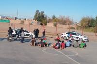 Rompieron la cuarentena para jugar al fútbol: terminaron detenidos